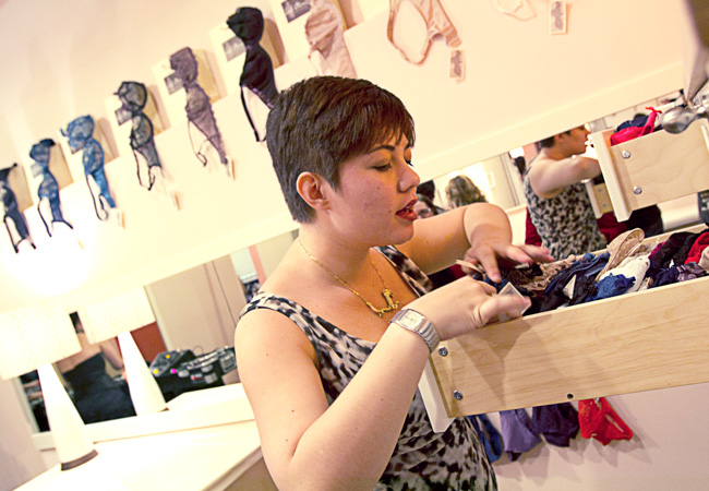 Jenette bras Westside Location