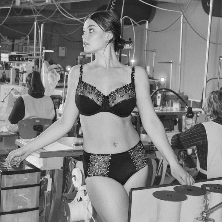 lingerie seamstresses